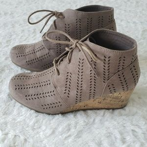 Maurices Shoes - Maurices Bootie Size 11 Daisy 36495 Tan Wedge Heel